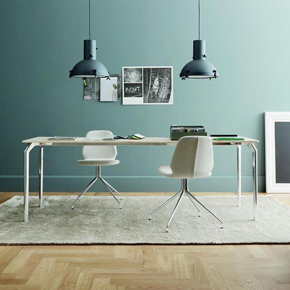 Projecteur 165 est un mini suspendu dessiné par »Le Corbusier » en 1954.